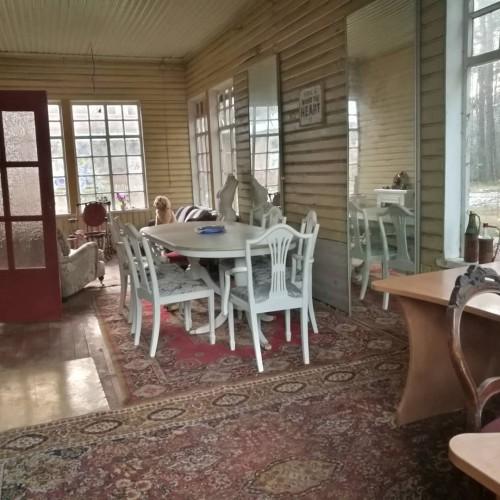 Baltas stalas su prailginimu, su kėdėm, pavieniai arba komplektas