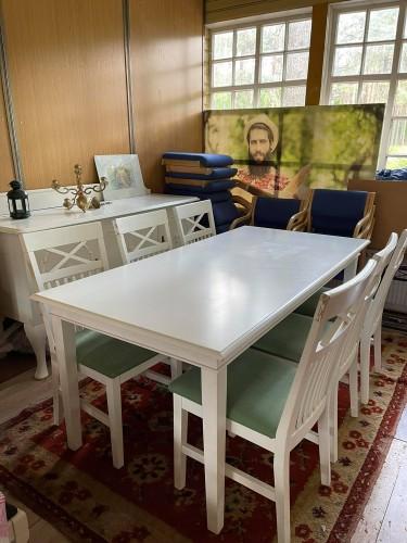 Baltas pietų stačiakampis stalas