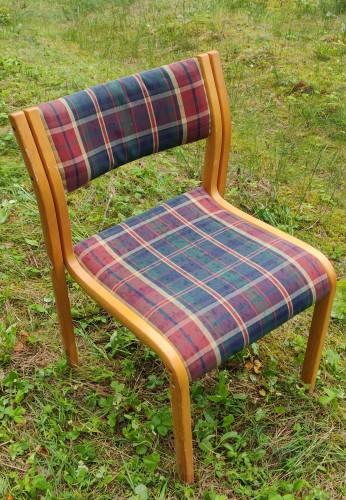 8 suneriamų kėdžių