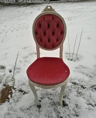 Dvi rokoko stiliaus kėdės